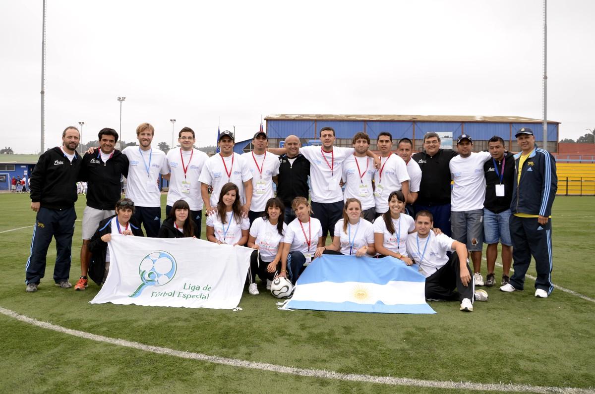 Voluntarios de la 2° Copa América Liga de Fútbol Especial